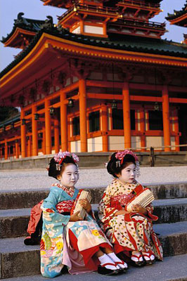 2-little-maiko-girls